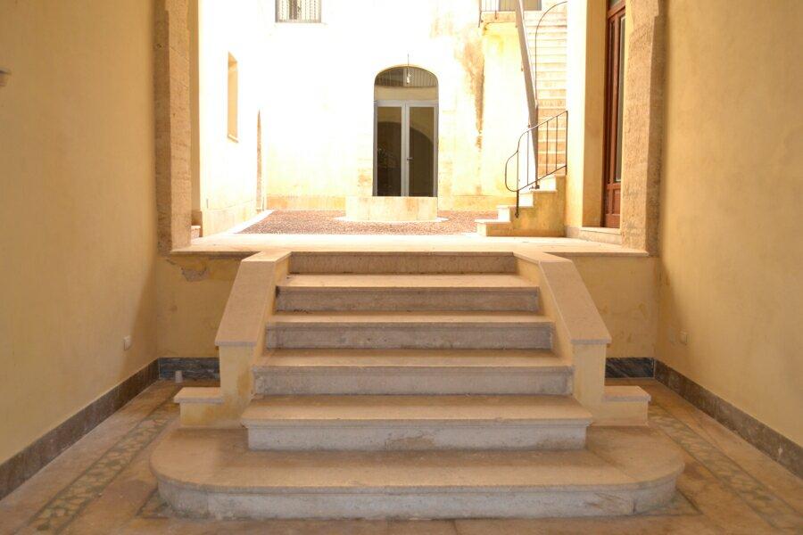 005-Salemi-Palace