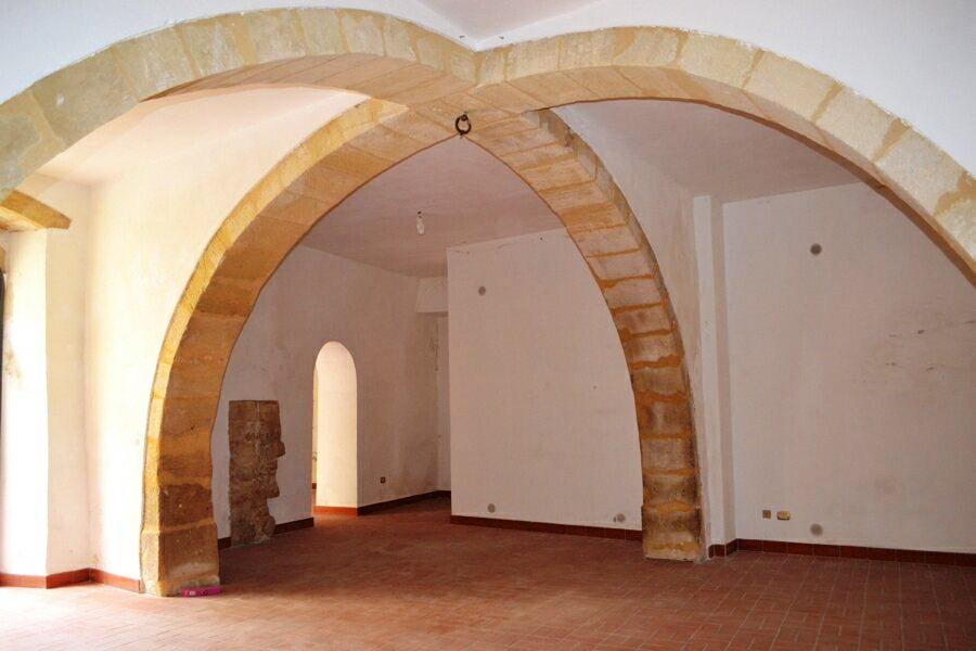 012-Salemi-Palace