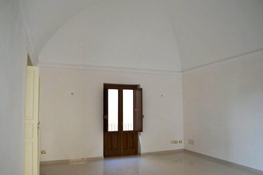 041-Salemi-Palace