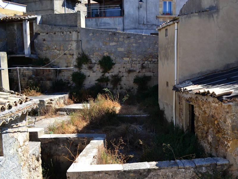 Agira-courtyard