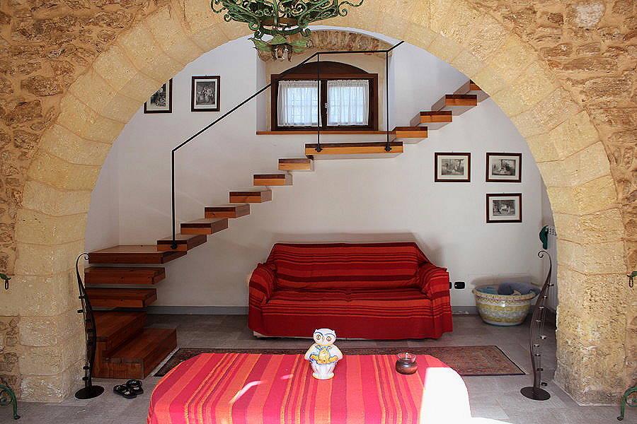 Interior-Arch2