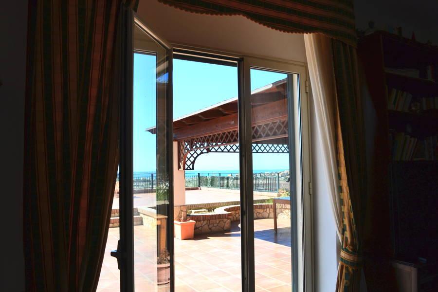 Licata-Ground-Floor-to-the-Terrace