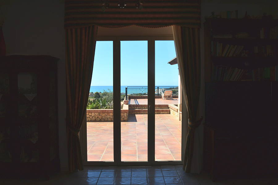 Licata-Panorama-from-Living-room