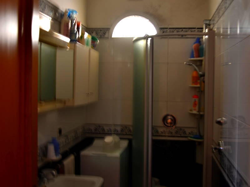 Trapani-Bathroom2