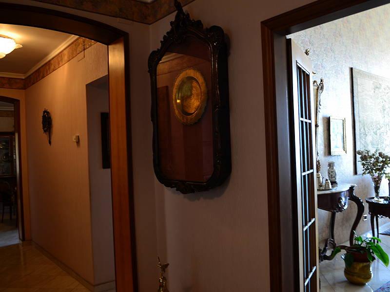 Trapani-Hallway3